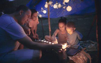 Comment réussir une soirée camping dans son jardin ?